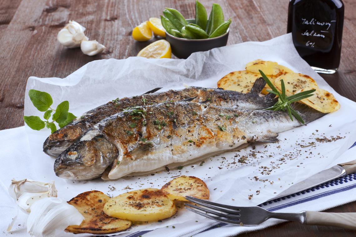 Als kulinarischen Höhepunkt einer Reise an den Bodensee empfiehlt es sich fangfrischen Fisch wie Forelle, Hecht oder Aal zu probieren.