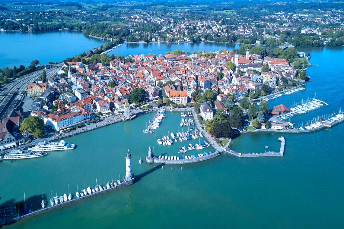 Von Lindau aus kann man die ganze Bodenseeregion erkunden ob an Land oder vom Wasser aus.