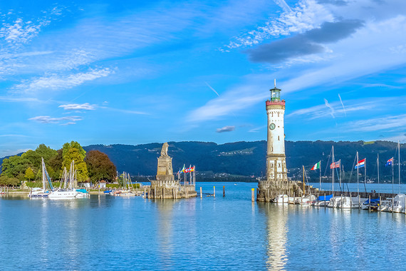 Beim Camping in Lindau erwartet die Urlauber eine spannende Zeit am Bodensee.