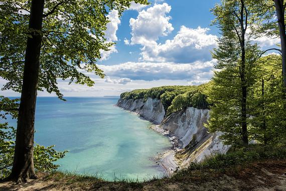 Camping an der Ostsee zwischen Meer, Seen und Wäldern.